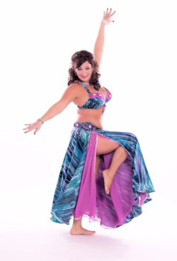 Mehira of Hawaii www.shimmydiva.com